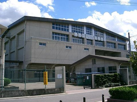800px-Sakai_Municipal_Technical_High_School1.jpg