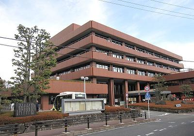 800px-Ikoma_City_Hall.jpg